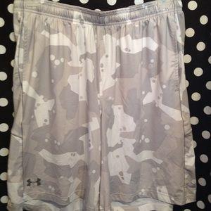 Mens Under Armour Shorts XL!